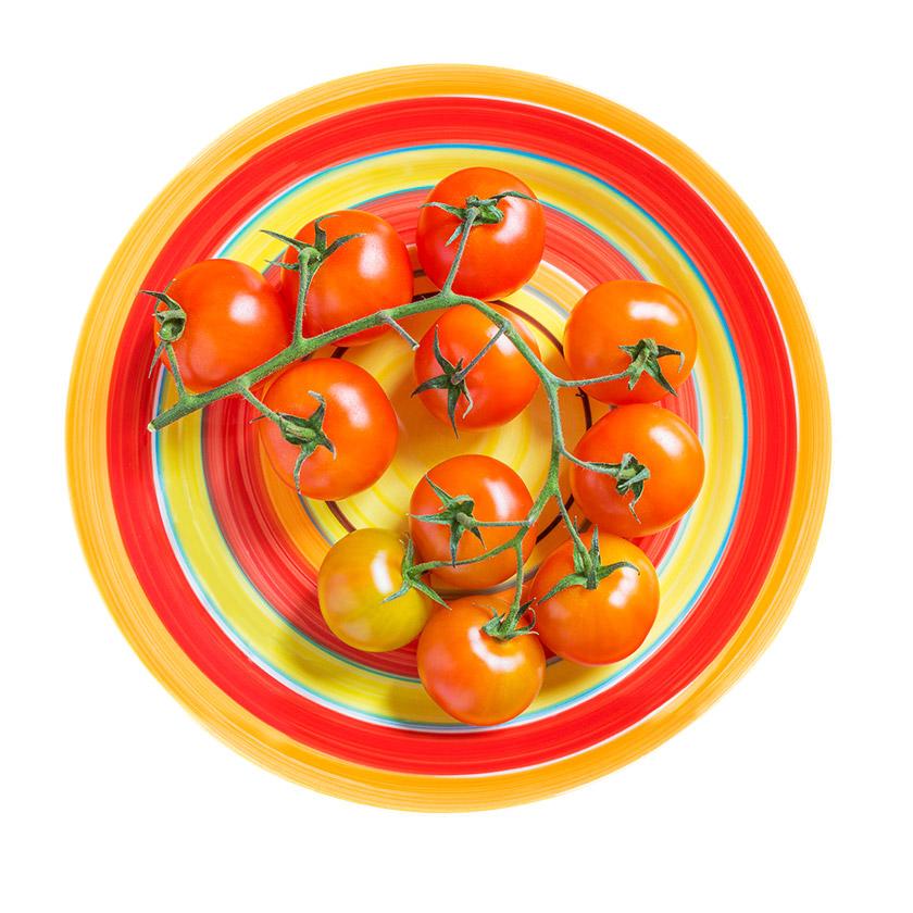 Pomidory na talerzu - fotografia produktowa Orbin.pl