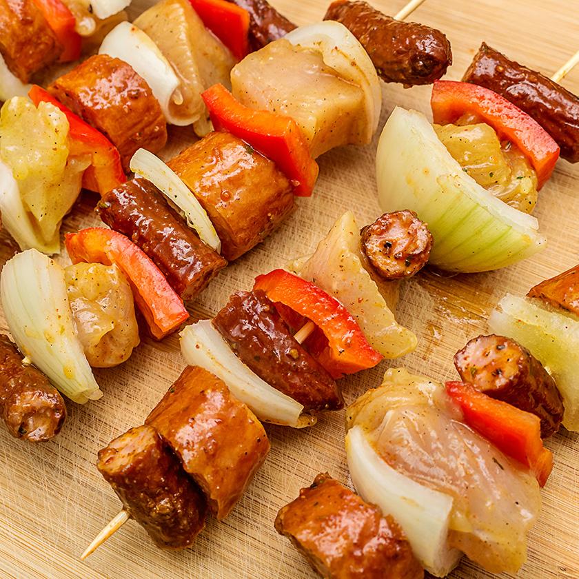 Szaszłyki na desce - Fotografia Kulinarna